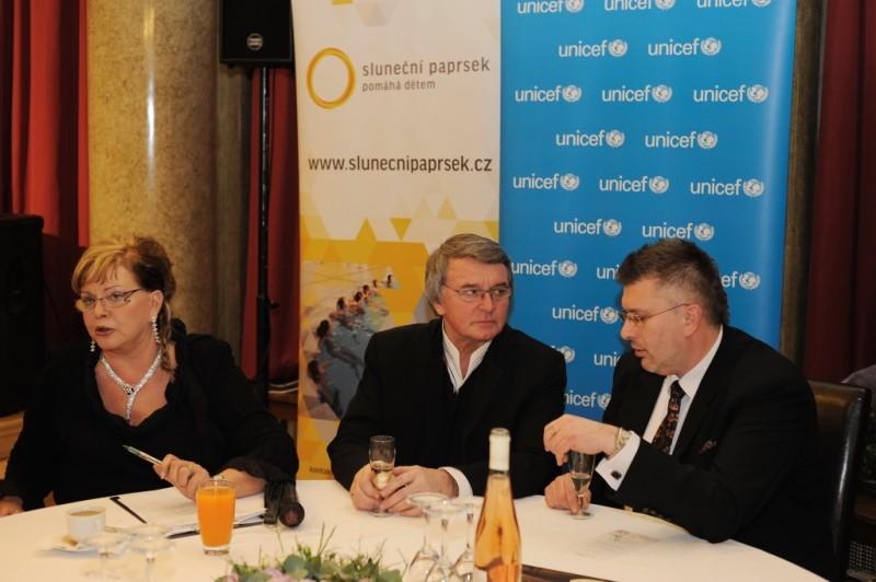 Partnerem byla i světová organizace UNICEF, která se zabývá ochranou a zlepšováním životních podmínek dětí a podporou jejich všestranného rozvoje.